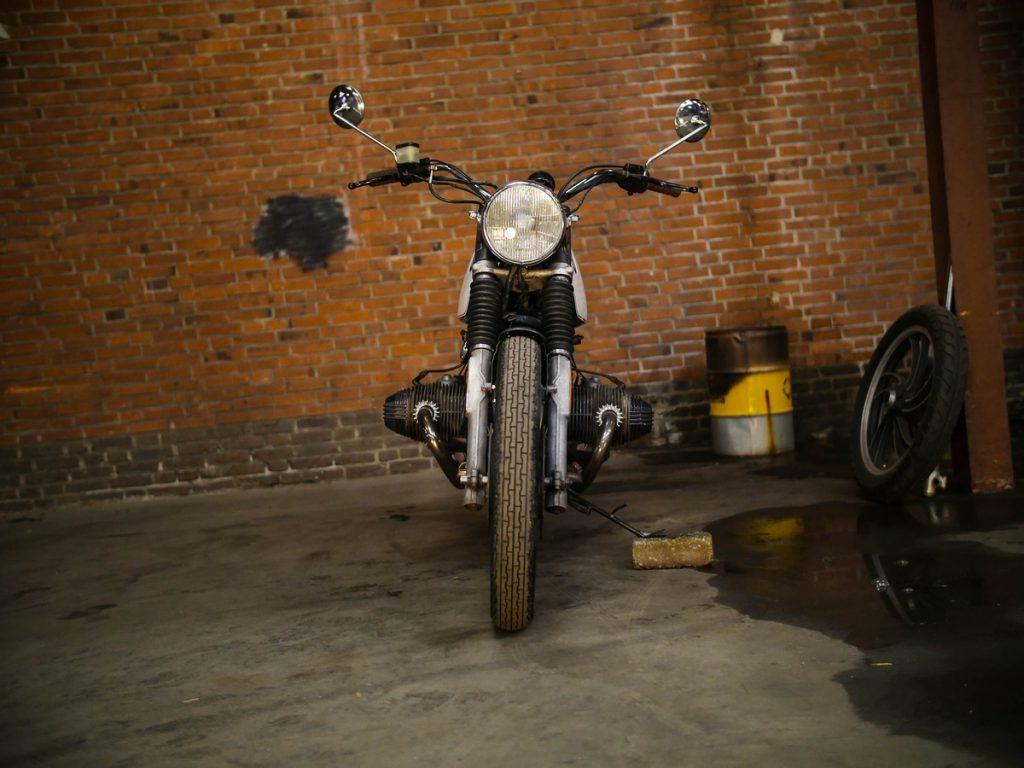 Moto_Adonis_BMW-5