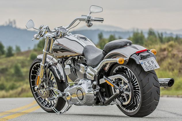 Zuun_Harley-Davidson CVO Breakout-008