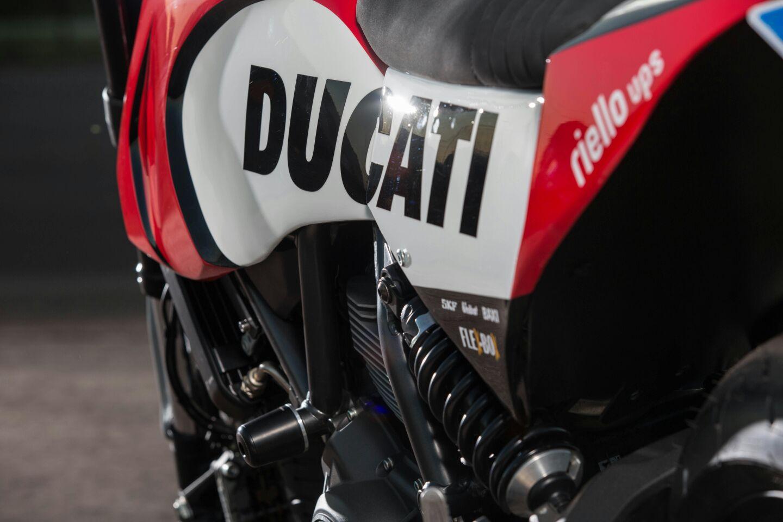 ducati-supermoto-scrambler-02